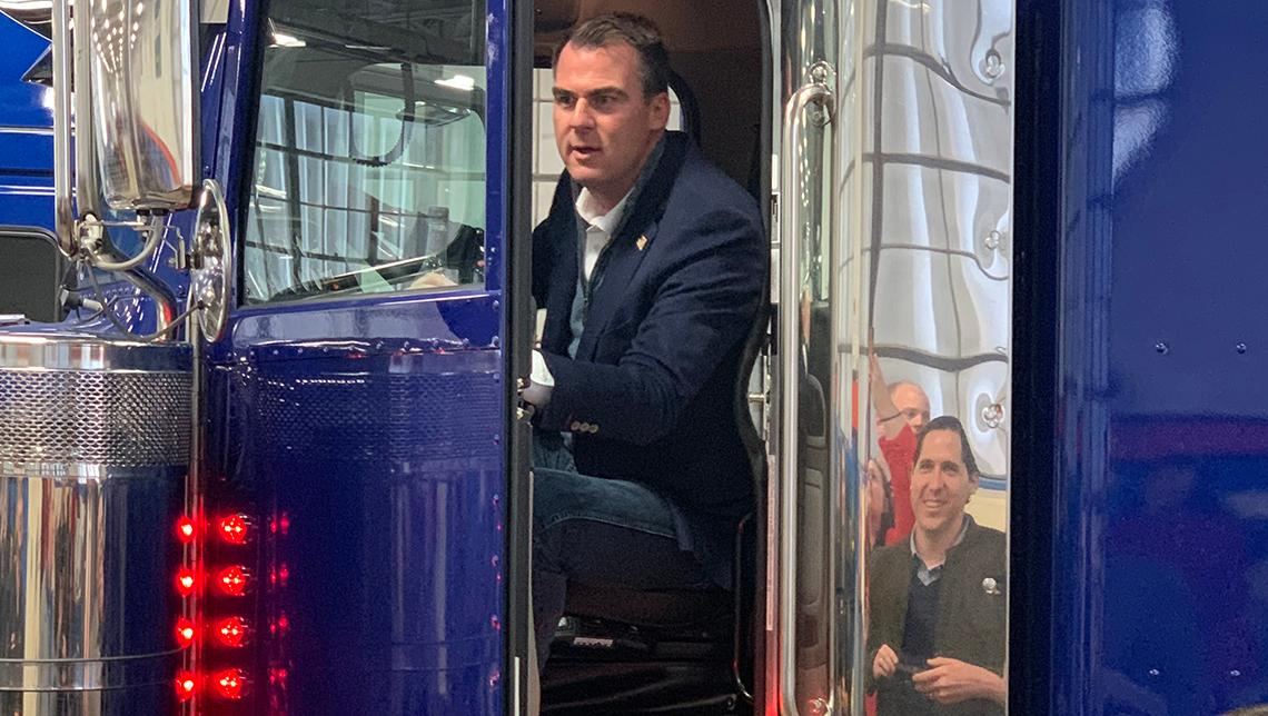 OSUIT is proud to have hosted Gov. Kevin Stitt to the OSUIT campus last week.   He was able to get a first hand experience during his visit in the Truck Technician program.