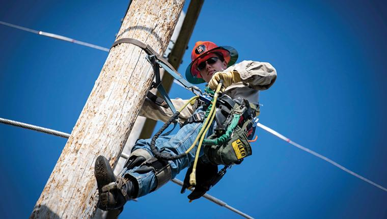 High Voltage Lineman | AAS Degree